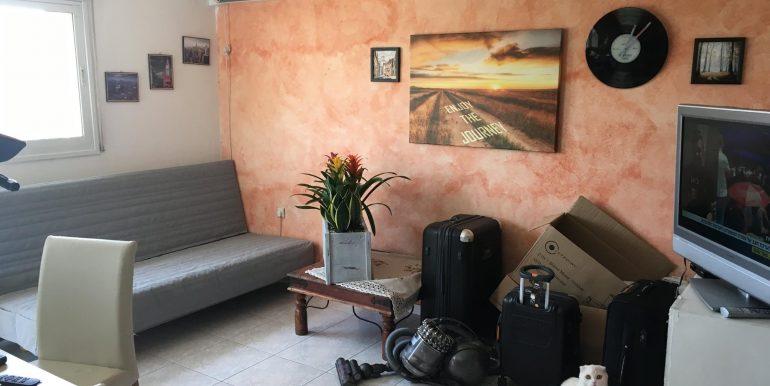 דירת 3 חדרים להשכרה ללא תיווך בשומרי החומות במודיעין - סלון