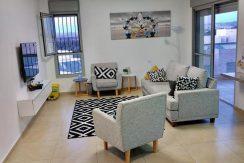 דירה 4 חדרים למכירה בטבת מודיעין - סלון וחדר אירוח